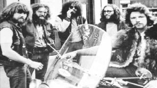 King Harvest - Dancing In The Moonlight HQ